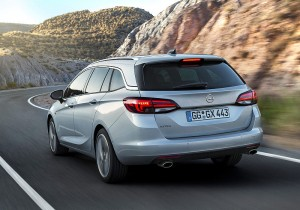 Opel Astra Sports Tourer 05