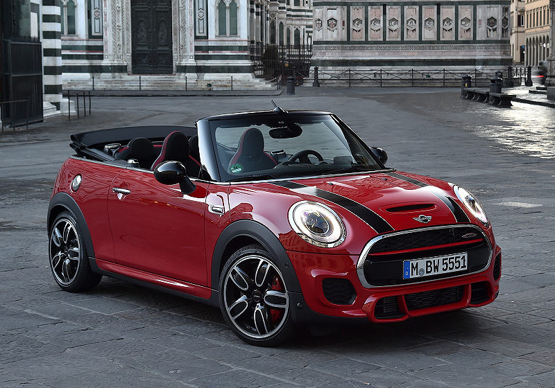 mini john cooper works cabrio auto reise creative. Black Bedroom Furniture Sets. Home Design Ideas