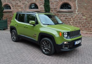 Jeep 75 Renegade 01