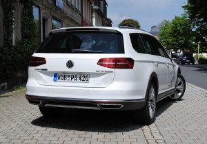 VW Passat Alltrack 12