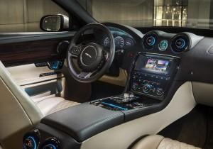 Jaguar XJ 02