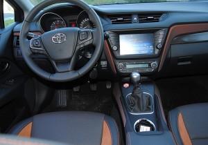 Toyota Avensis Kombi 03