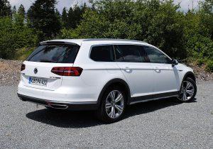 VW Passat Alltrack 10