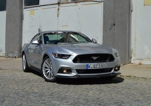 ford-mustang-gt-30